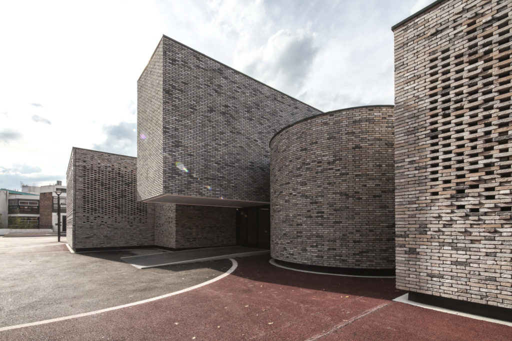 Ecole de musique dans ancien centre œcuménique / Elancourt (78)